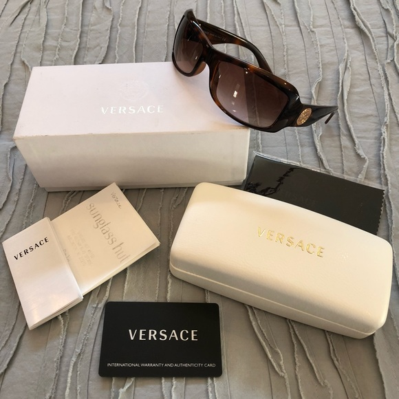 36a549c0af0 Versace Tortoise Brown Gold Logo Sunglasses 4093. M 5bf47270bb7615d7dd324184